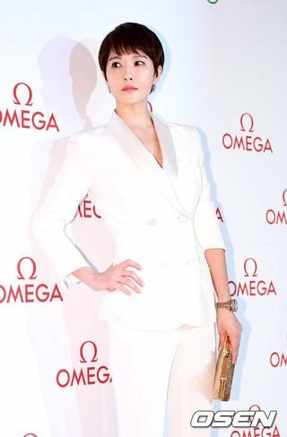 女優キム・ソナ、C-JeSエンターテインメントとの契約終了。C-JeSの関係者「キム・ソナと話し合い、業務終了することにした。今後のキム・ソナの活動を応援する」。