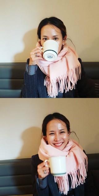 女優チョ・ヨジョン、カップより小さい(?)顔に視線集中。