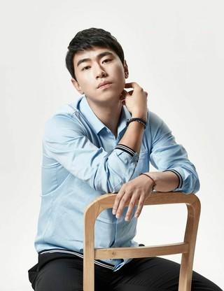 俳優イ・シオン、tvN新ドラマ「LIVE」に合流。