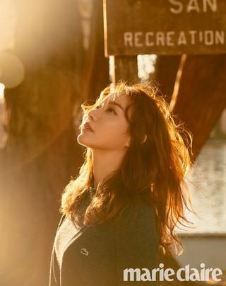女優キム・アジュン、画報公開。雑誌「marie claire」。