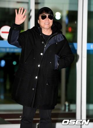 俳優イ・ボムス、2017 MAMA出演のため香港に出国。30日午前、仁川国際空港。