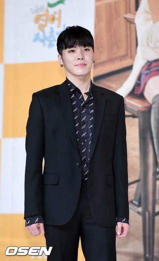 歌手フィソン、tvNバラエティ「私の英語思春期」制作発表会に出席。