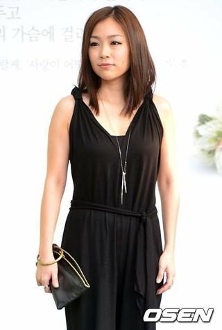 歌手リナ・パーク、MBC「ラジオスター」に出演。結婚後、初めてのトークショー。