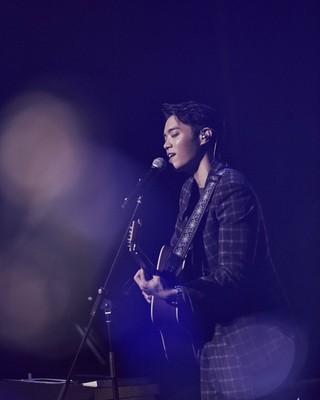 歌手エディ・キム、19日にNAVER Vライブで新曲ステージを初公開。
