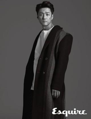 俳優チ・ジニ、画報公開。