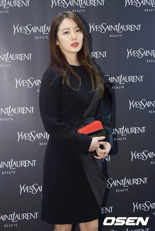 女優ユン・ウネ、tvNバラエティ「対話が必要なペット」降板。最後の撮影を終えていて、撮影分は来年初めまで放送される。