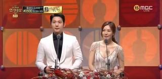 俳優イ・サンウ、キム・ソヨン夫婦、授賞者として登場。「去年の受賞した時は夫婦ではありませんでした」「皆様もここで良い縁を作るように」。。