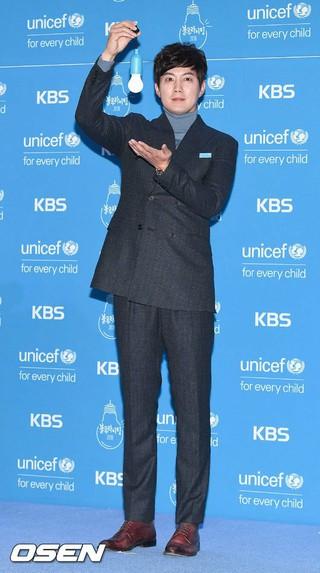 俳優リュ・ジン、ユニセフ行事に参加。ソウル汝矣島(ヨイド)KBS公開ホール。ブルーライトキャンペーン。