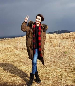 女優イ・ソヨン、済州島(チェジュド)旅行の写真公開。