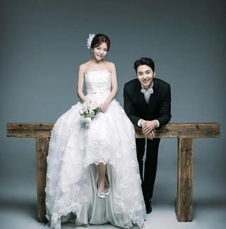 5tion 出身イ・ヒョン、ミュージカル女優ユ・ハナと2月3日結婚へ。
