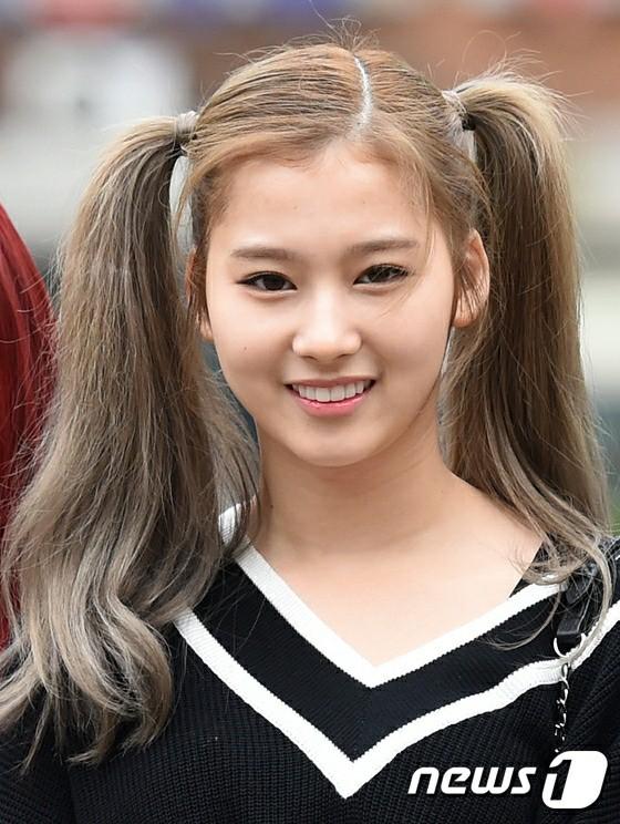 ツインテールが似合うTWICEサナのヘアスタイル・カラーまとめ♡【K,POP・韓国\u2026
