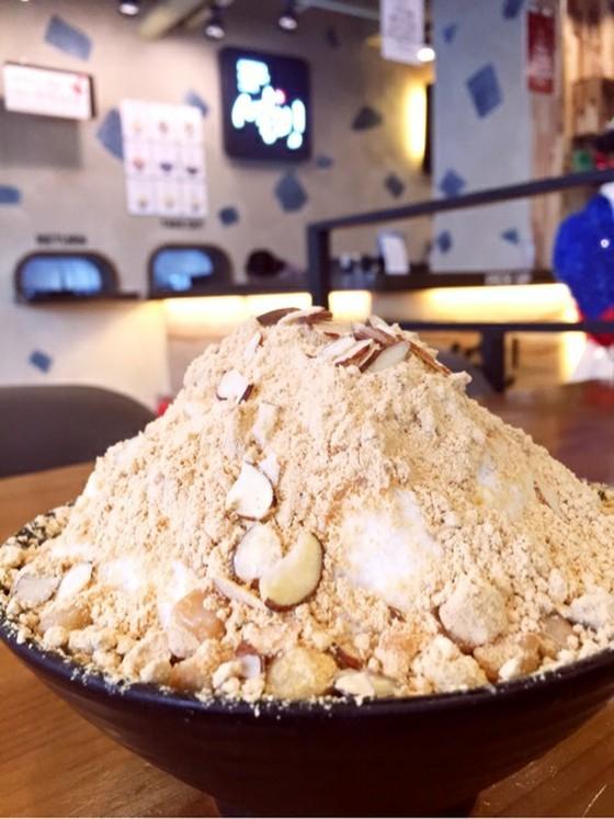 【朗報】韓国式かき氷(ヌンコッピンス)の店「ソルビン」まもなく日本上陸! きな粉とお餅と氷の絶妙なハーモニー♪ [無断転載禁止]©2ch.net [535050937]YouTube動画>1本 ->画像>26枚