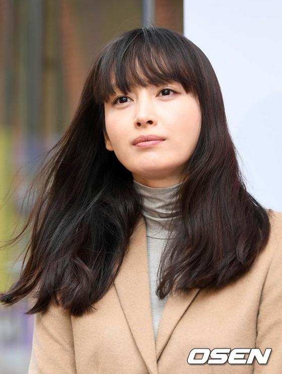 女優イ・ナヨン、出産後初の公式...
