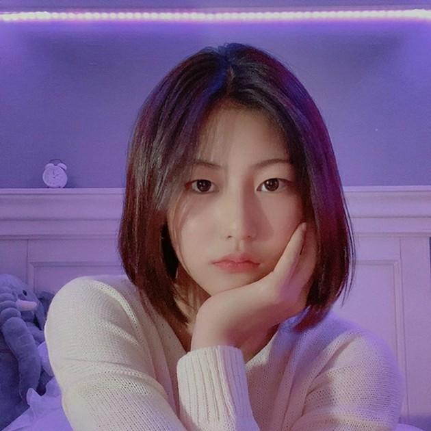 元サッカー選手ソン・ジョングクの娘ソン・ジア…「リトルスジ」JYPから ...