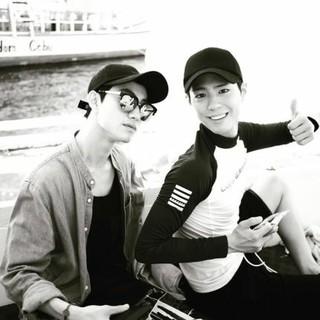俳優パン・ジュンヒョン、パク・ボゴム&クァク・ドンヨンの補償休暇の時の写真公開「懐かしい・・・」