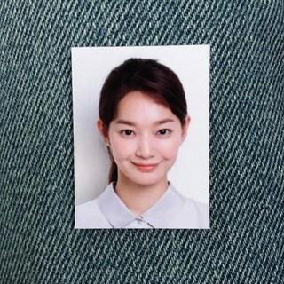 女優シン・ミナ、証明写真公開!欠点のない完璧な美貌を披露。