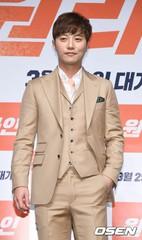 俳優チン・グ、「太陽の末裔」以降・・・ビジュアル管理に励んでいた?