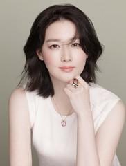 女優イ・ヨンエ、疎外階層のために1億5000万ウォンまた寄付する。