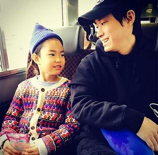 「Epik High」Tabloの娘ハルちゃんが見違えるほどお姉さんに成長しています!