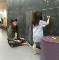 女優パク・シヨン、愛娘との幸せな日常写真を公開♪
