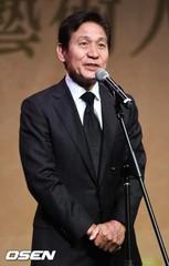 俳優アン・ソンギ、故キム・ジュヒョク悲報に「とても悲しいこと」