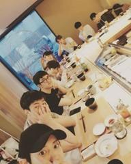 リーダー・スホの誕生日をグループでお祝いした「EXO」♡友情は永遠に♪