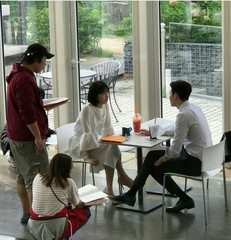 スジ×イ・ジョンソクの新ドラマ「あなたが眠っている間に」の撮影現場がキャッチされる!