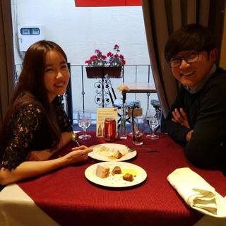 結婚2周年を迎えたアン・ジェウク♡チェ・ヒョンジュ夫婦がお祝いをする♪