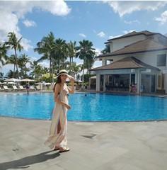 """新婚の女優チャ・イェリョン、ハネムーン地のハワイから""""ハッピー""""を伝える♪"""