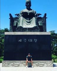 俳優ダニエル・ヘニーの韓国愛♡ハングルを作った世宗大王に感謝を伝える。