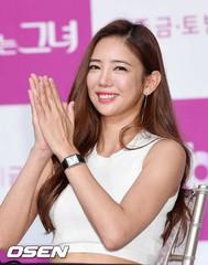 「品位ある彼女」制作発表会に登場した女優イ・テイム、健康的な姿に安心♪