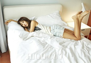 女優チョ・ヨジョン、驚きのスタイルと美貌!清純かつセクシー。