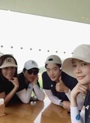 クォン・サンウ&ソン・テヨン夫婦、今でもラブラブな休日を披露!