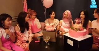 「少女時代」のデビュー10周年&ティファニーの誕生日に「SMエンタ」の仲間が駆け付ける!