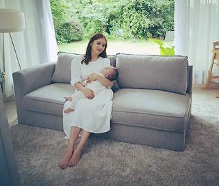 女優ハン・ヘジン、幸せいっぱいのママの姿♡美しすぎるCM撮影♪