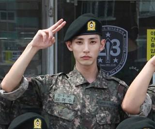 軍入隊を果たした俳優イ・スヒョク、訓練所での近況写真が公開される!