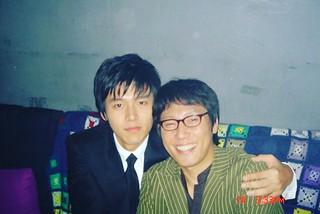 歌手ユン・ジョンシン、なつかしの写真を公開し、思い出をシェアする♪