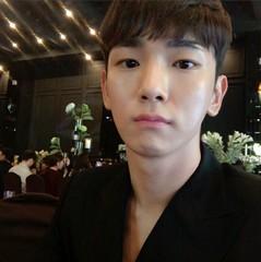 "「SHINee」Keyが直筆の招待状を公開!""僕の誕生日会に招待します"""