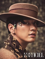 俳優キム・ヨングァン、モデル出身の本領を発揮?!ロマンティックがグラビア公開。