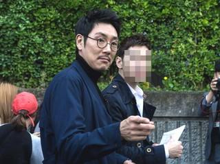 """俳優チョ・ジヌン、""""ウィンク""""、""""ハート""""、""""抱きしめる!""""最高のファンサービスにメロメロ♡"""