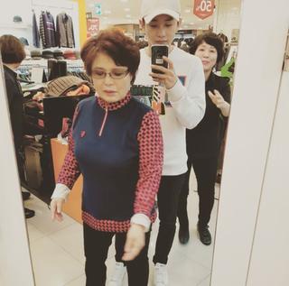 俳優キム・ミンソク、自身を育ててくれた祖母へ孝行な一面を見せる。