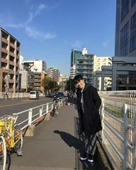 俳優ピョン・ヨハン、東京でグラビア撮影中?!イケメンと可愛らしさの間!