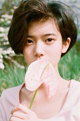 歌手ユン・ジョンシンの秘蔵っ子、ミンソがデビュー前にも関わらずチャート1位を獲得!?