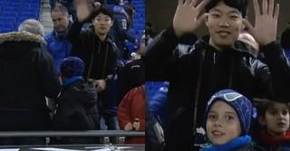 俳優リュ・ジュンヨル、バルセロナの競技場でサッカー観戦中の姿が中継カメラにキャッチされる!?