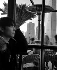 「NU&#39&#59;EST W」キム・ジョンヒョンが美しい横顔を見せながらコンサートを告知する!?
