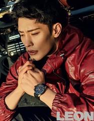 新韓流スターソンフン、グラビアで見せた男性美にキュン。