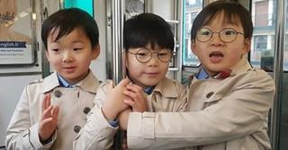 俳優ソン・イルグクが三つ子の息子たちの近況を公開!三男マンセくんもメガネデビュー!?