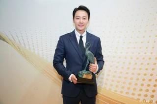 俳優キム・ドンウク、映画「神と共に」での好演により「春史映画祭」男優助演賞に輝く!