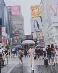 「VIXX」エン、大阪・道頓堀で撮った近況写真がグラビア級!
