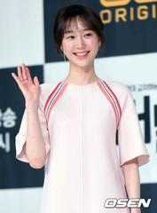 女優イ・ユヨンが芸能事務所「エルエヌカンパニー」と専属契約を結ぶ♪